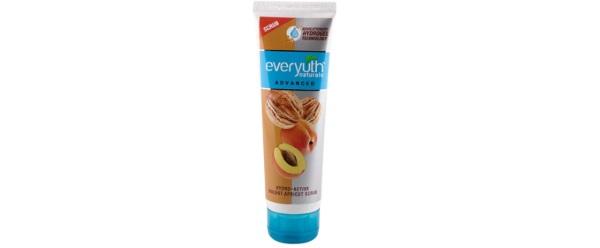 Everyuth Naturals Advanced Hydrating and Exfoliating Walnut Apricot Scrub