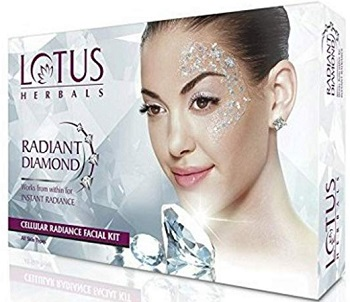 Lotus Herbals Diamond Facial Kit