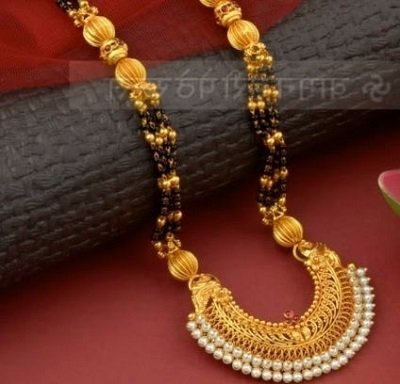 Chand Bali inspired mangalsutra locket with pearls