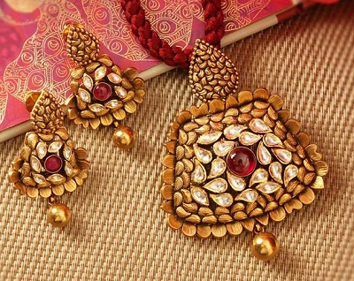 Heavy Gold and kundan work antique mangalsutra locket